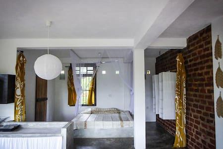 Peaceful Studio@Kundala House Yoga - Osakehuoneisto