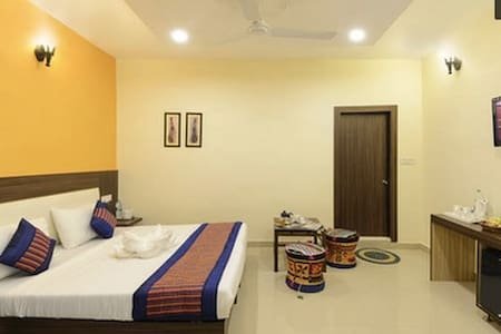 HomeStay Near Taj Mahal - Standard - Agra - Bed & Breakfast