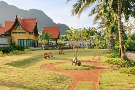 Villa Chaba; Sea Front Villa