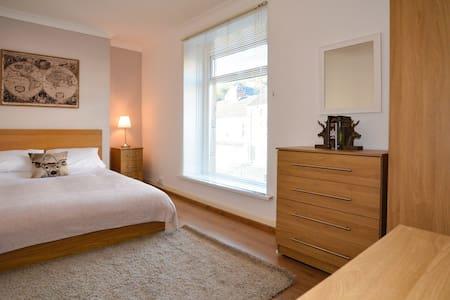 5 Bedroomed House, Swansea - Swansea