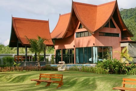 Villa Chaba 1Bedroom SeaFront Villa - Khaothong