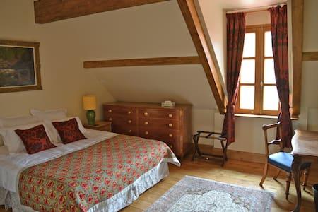 Luxury Apartment in Burgundy - Apartamento