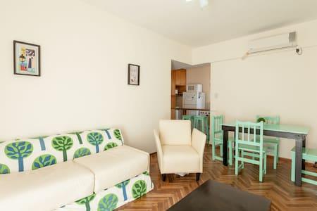 Hermoso dpto en Olivos (puerto) - Lejlighed