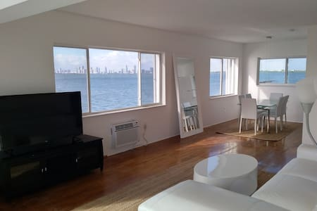 SPACIOUS WATERFRONT APARTMENT - North Bay Village