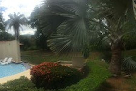 CASA  PARA VACACIONAR EN DELICIOSO CLIMA CALIDO - Nilo