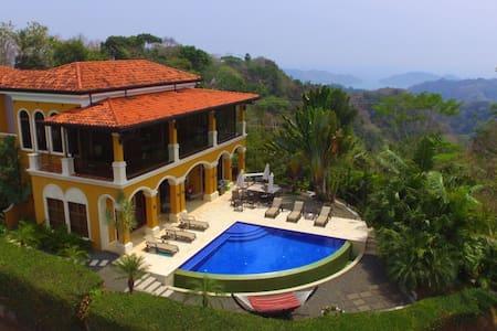 La Villa (In Caletas) - Jaco - Villa