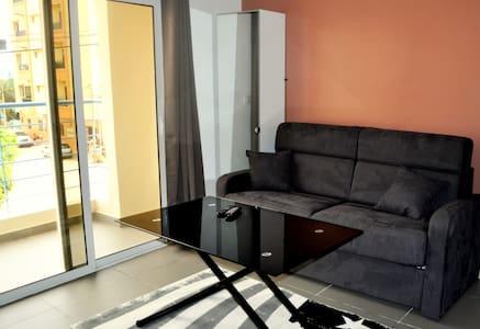 The First Concept emplacement idéal - Apartmen
