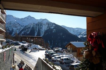 34m² , facing south, close to ski (22) - Huoneisto