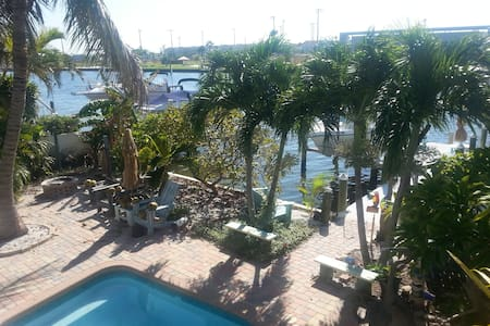 Key West Style Paradise on the water. - Madeira Beach