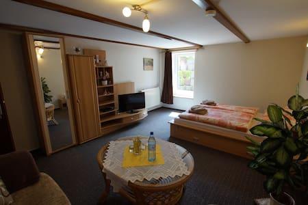 Zimmer, ländlich bei Bad Oldesloe - Talo