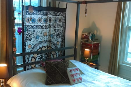 Cosy Eclectic Double Room - Woodstock