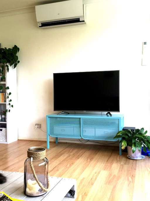 Air conditioning, large TV with Netflix, blue tooth sound system, unlimited Wifi