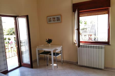 Studio (2+1) in the center of Umag - Apartamento