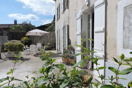 Maison proche de Casteljaloux - Damazan