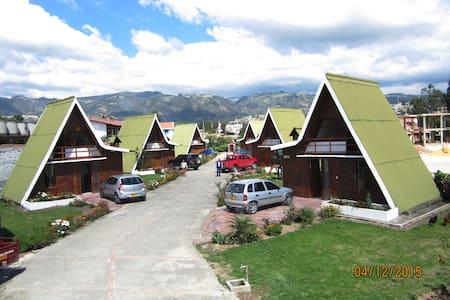 CabañasGuacatá Hotel,un lugar reservado para usted - Paipa - Cabaña