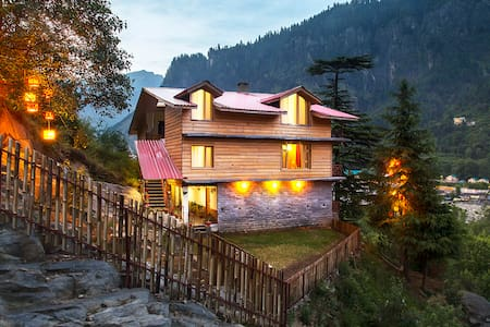 Shobla Pine Royale : Cottage Room with balcony - Manali - Chalet