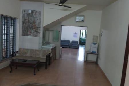 Elegant House near Commercial centre of Kochi - Kochi