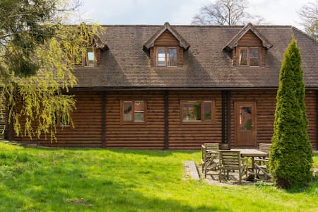 Luxury Log Cabin in Bedfordshire's Countryside - Leighton Buzzard - Hytte