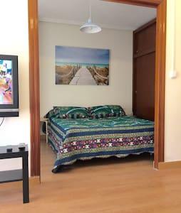 Estudio con 3 plazas súper céntrico - Apartment