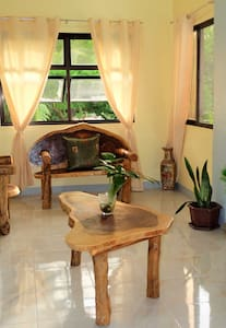 EMY'S PLACE- 2 Rooms for a group or family - Coron