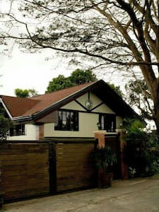 Tagaytay House for rent w/ Pool - Hus