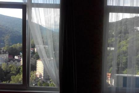 Вид на горы и Хостинскую бухту! - Apartment