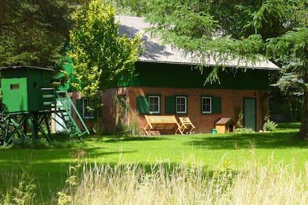 Moorkate-Uriges Jagdhaus im Grünen - Bungalow