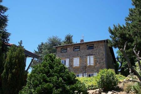 Maison en pierres pour 8 personnes (+ bébé) - Saint-Loup - Hus