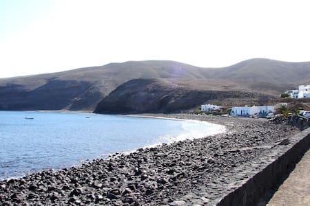 Casa La Fula. Vivienda a 70 mt de la playa. - Playa Quemada