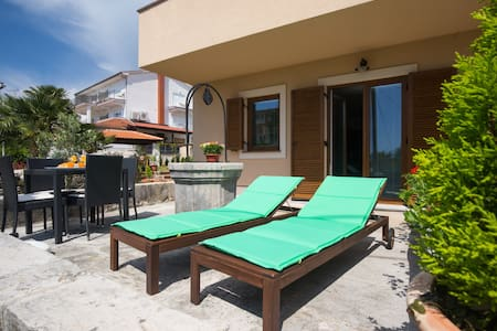 Villa Ada 2  Malinska -top location - Apartament