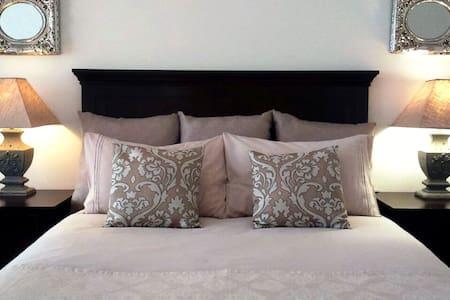 The Barbet's Nest - Bed & Breakfast