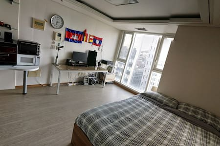 Bright & Clean, The Perfect 11th Floor Apartment - Appartement