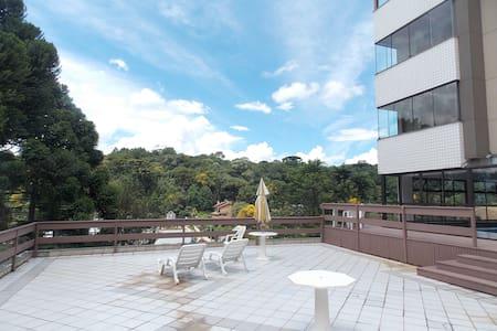 Aconchegante apartamento no centro de Gramado - Lejlighed