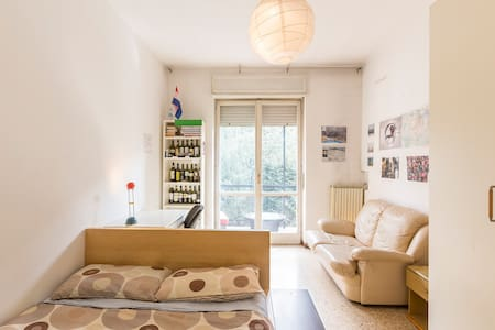 Double Room - Internet - Balcony - Milano - Appartamento