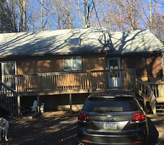 Comfortable cottage in Pocono Pines - Long Pond - Cabane