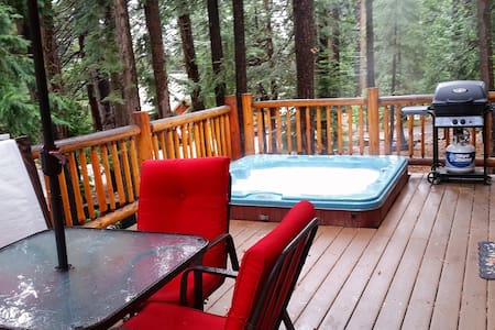 Private Hot Tub at your Cozy Cabin in the Woods - Carnelian Bay - Cabin