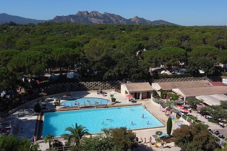 Luxury Chalet in Frejus - Camping Lei Suves - Sea - Dağ Evi