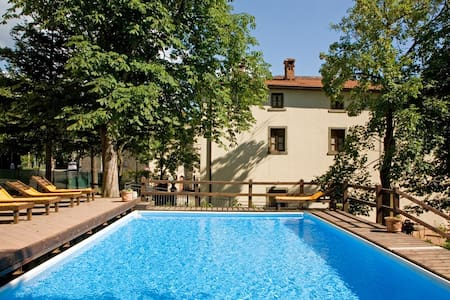 VILLA 12 BR up to 30 guests pool - Pratovecchio