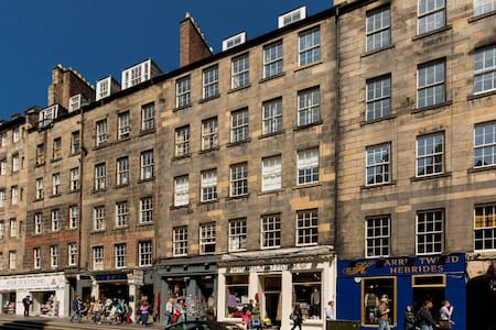 One Bed on the Royal Mile - Pis