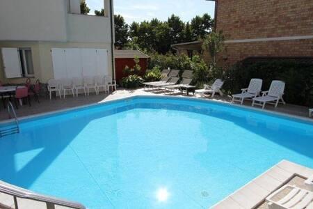 Cesenatico Riviera Adriatica, camera matrimoniale - Bed & Breakfast