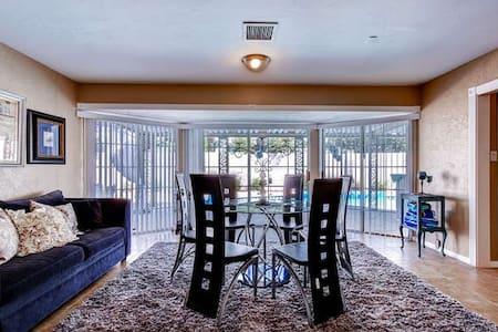 Luxury 3BR Villa/Prime location - Las Vegas