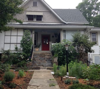 5 Points Bungalow, Walk to Downtown - Huis