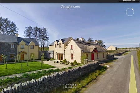 1 Burren Court Apartments - Apartment