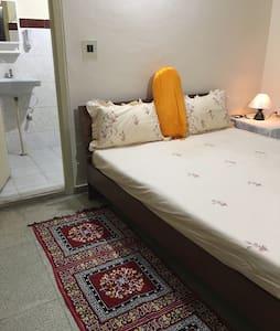 Premium room private bath/balcony - Lejlighed