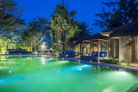 Luxurious Bangtao Beach 7 Bed Villa - Vila