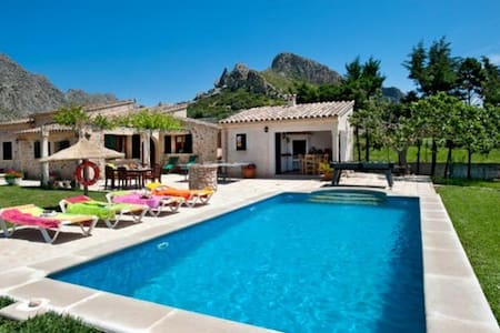 Beautiful Villa Moya with Private Pool and Views - Pollença