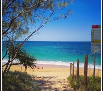 THE SHELLY BEACH HOUSE - VIEWS & PET FRIENDLY - Shelly Beach - House