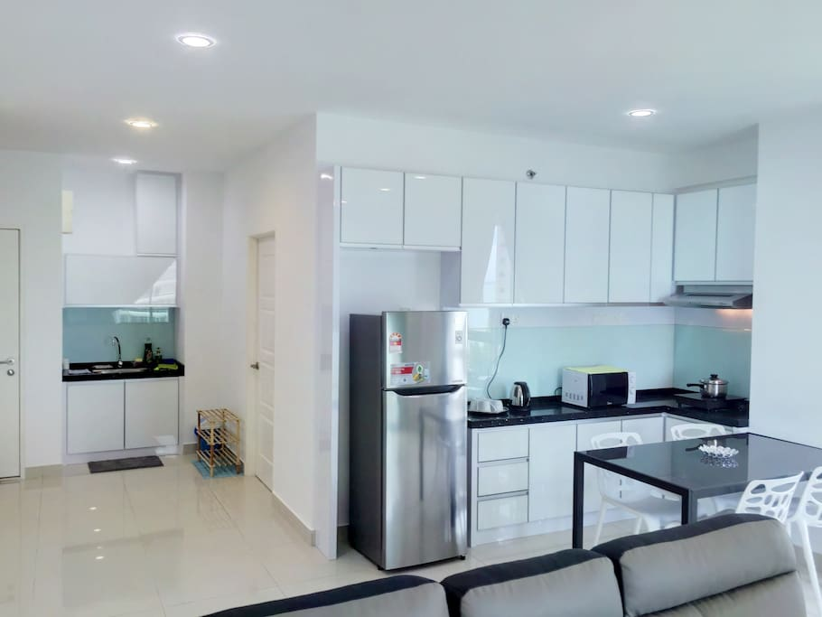 Gurney Seaview Apartment with Free WiFi