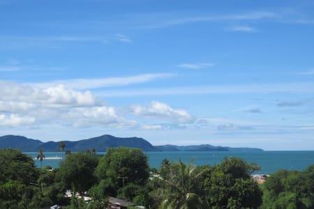 102m2  Royal residence 1 SEAVIEW,next Ocean Marina - Pattaya - Lägenhet
