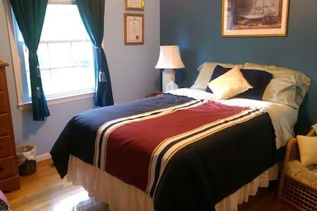 Springfield, Spacious Bed n Bath - Sorház